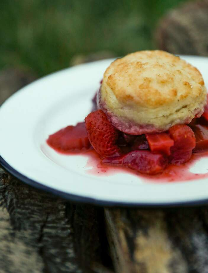 Dutch oven strawberry rhubarb cobbler. Photo: Russell Yip / The Chronicle