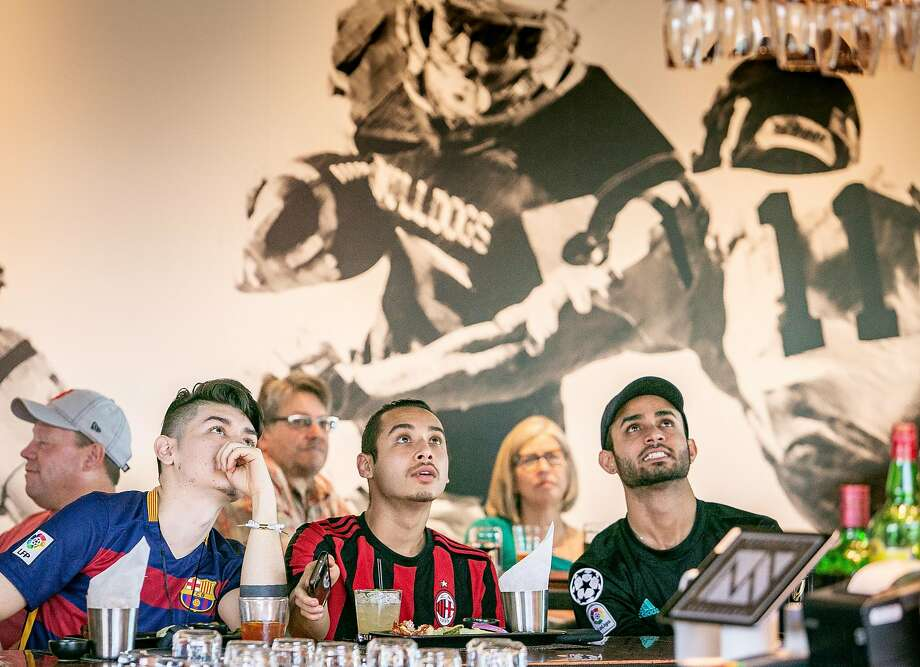 Sports fans turn out at NapaSport in Napa. Photo: John Storey / Special To The Chronicle