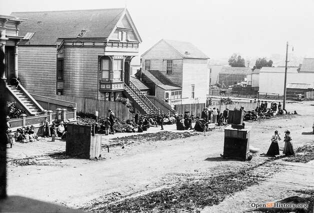 Clipper near Sanchez in the aftermath of the 1906 earthquake. People can be seen at their temporary outdoor kitchens. Some of the houses in the area were later moved or demolished to make way for James Lick Middle School.  Photo courtesy ofOpenSFHistory. Photo: OpenSFHistory/Courtesy