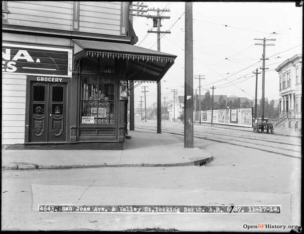 San Jose Ave. and Valley St. in San Francisco, circa Nov. 1914. The apartment on the right is 653 San Jose Ave., which still stands.  Photo courtesy ofOpenSFHistory. Photo: OpenSFHistory/Courtesy