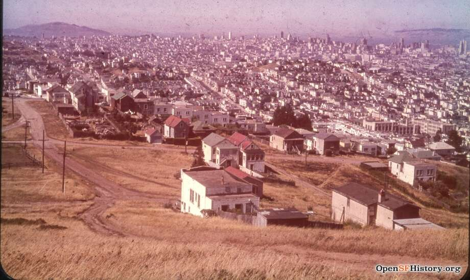 The view toward Noe Valley in San Francisco, circa 1955. The unpaved intersection is Douglass and Valley streets. Photo: OpenSFHistory/Courtesy