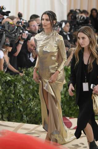 Elon Musk steps out with new girlfriend Grimes at Met Gala