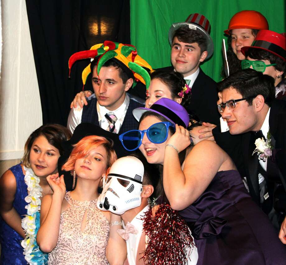 p.p1 {margin: 0.0px 0.0px 0.0px 0.0px; line-height: 17.0px; font: 13.0px Arial}