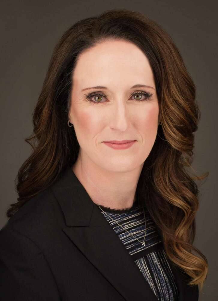 Wells Fargo has promoted Whitney Wall to senior vice president  and regional manager of middle market banking in north Houston. Based in The Woodlands, Wall leads a team of commercial bankers that provide credit, treasury management, and deposit products to mid-market companies with revenues of $20 million and higher.