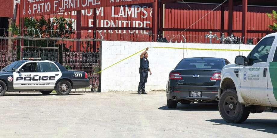 Authorities secure the scene of a fatal auto-pedestrian incident on Tuesday, May 8, 2018, in the 5100 block of East Saunders Street. Photo: Danny Zaragoza /Laredo Morning Times