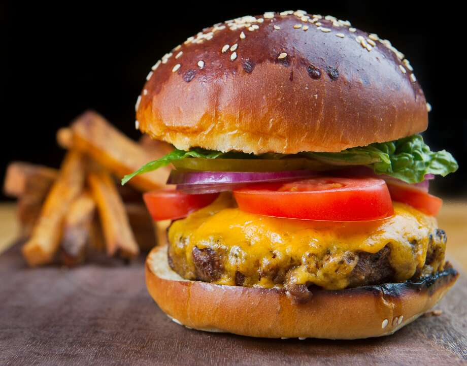 """Snap a pick of your """"ultimate"""" burger and win money from Stew Leonard's  Photo: Thanasis/Getty Images"""