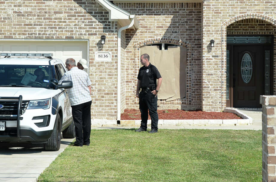Nederland Police are investigating a possible homicide on Beauxart Garden Road after a body was found early Wednesday morning.  Photo taken Wednesday, May 09, 2018 Guiseppe Barranco/The Enterprise Photo: Guiseppe Barranco