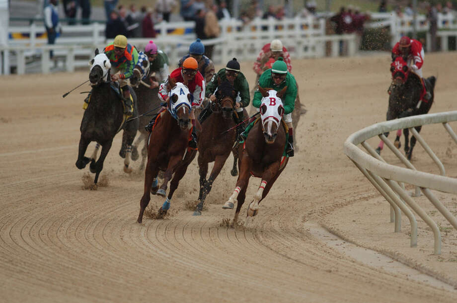 Delta Downs Racetrack offers thoroughbred and quarter horse racing. Photo: Delta Downs / Internal