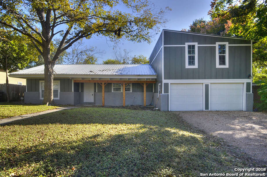 Click ahead to view median-priced homes for sale in San Antonio.