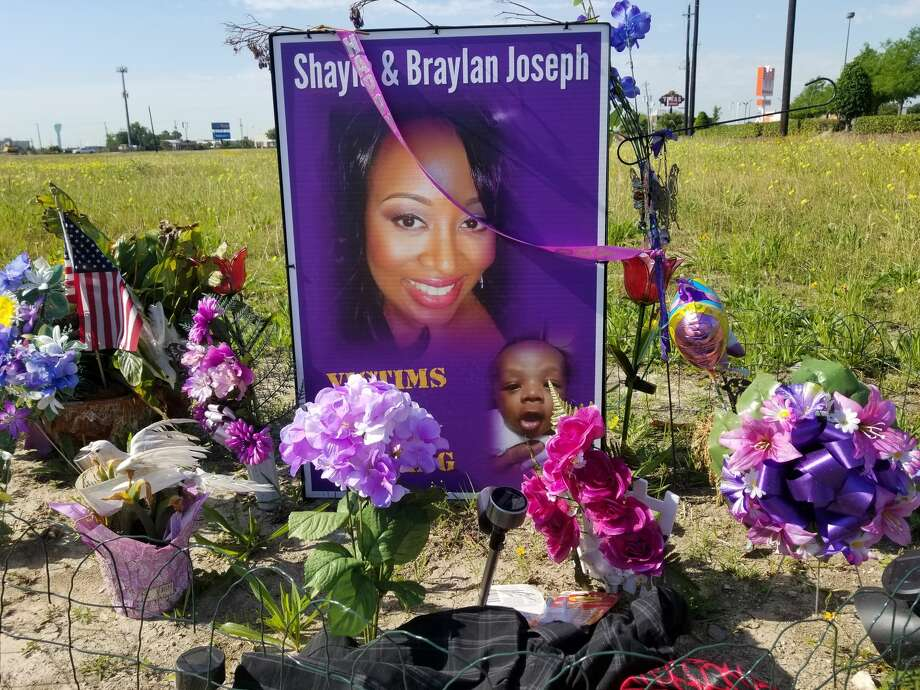 A memorial for Shayla and Braylan Joseph sits on the side of the Gulf Freeway frontage road near El Dorado Boulevard on April 27, 2018. The mother and her infant son were killed in an alleged drunken driving wreck on Feb. 28. Photo: Dana Burke/Houston Chronicle