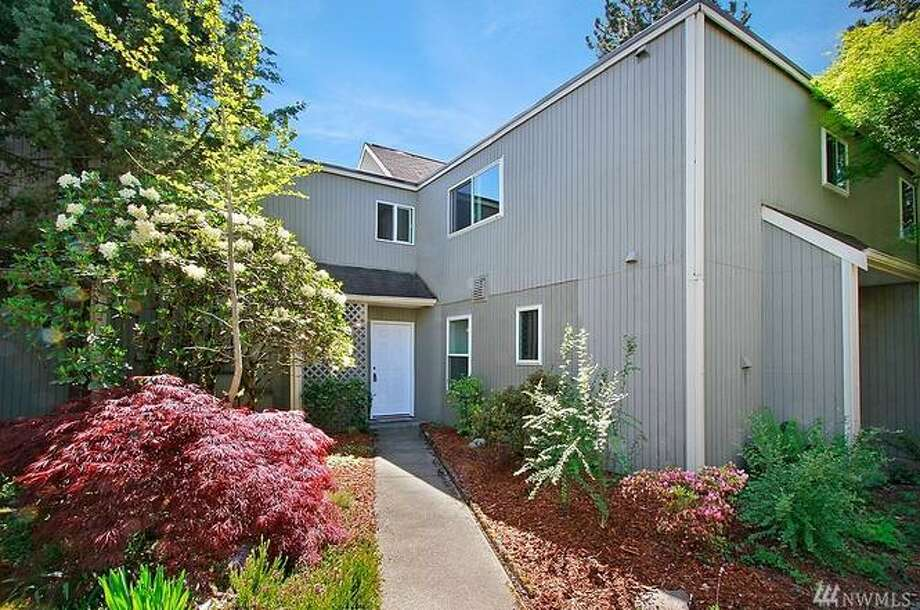 8430 25th Ave SW Unit B. is listed for$349,000.See the full listing below. Photo: Redfin.com