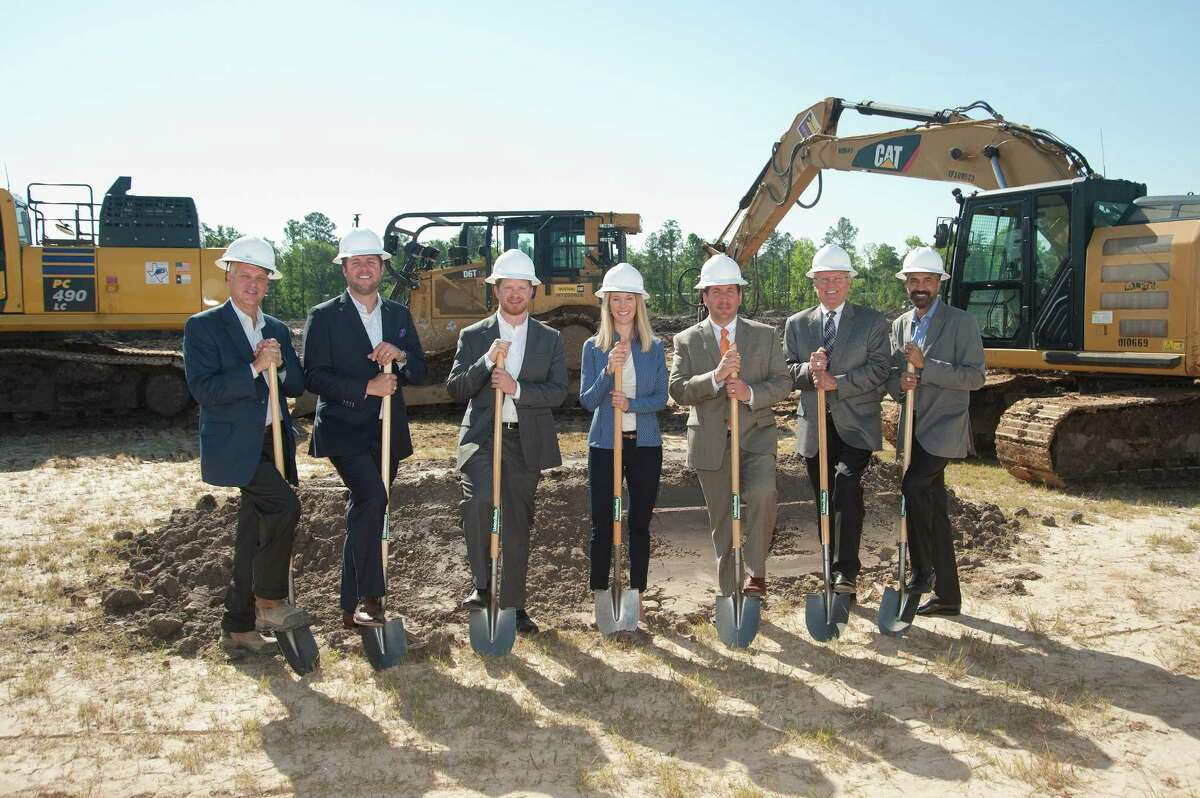 The Lake Houston Area Economic Development Partnership recently celebrated the groundbreaking of Parc Air 59 with Jackson Shaw and Archway Properties. Parc Air 59 will be located near the George Bush Intercontinental Airport.