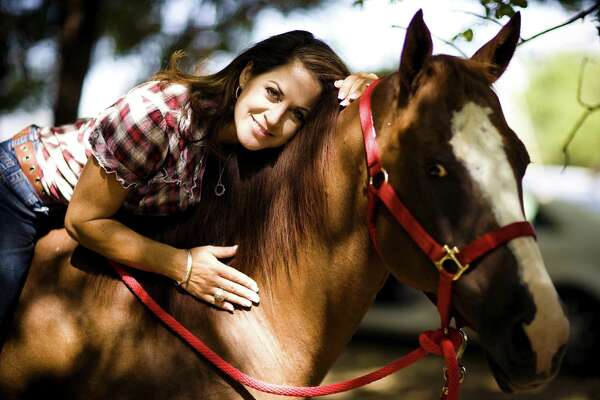 San Antonio anchor prefers horse-play to flowers on Mother's