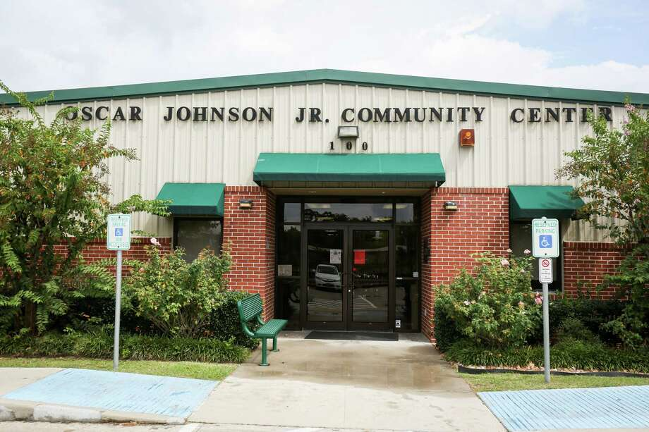 The City of Conroe has approved funding for a feasibility study on the future of the Oscar Johnson Jr. Community Center, pictured on Monday, Sept. 18, 2017. Photo: Michael Minasi, Staff Photographer / © 2017 Houston Chronicle