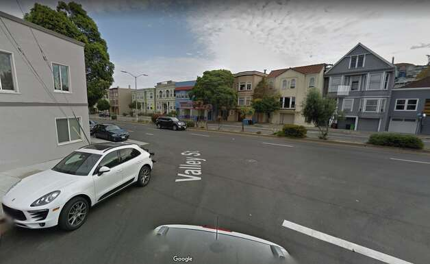 San Jose Ave. and Valley today. The apartment visible in the previous image is the little yellow unit on the left. Photo: Google Street View