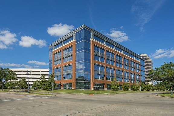 Wedge Properties Management has purchasedThree Sugar Creek, a six-story, 154,263-square-foot office building in Sugar Land from Radler Enterprises. HFF marketed the property and arranged acquisition financing.