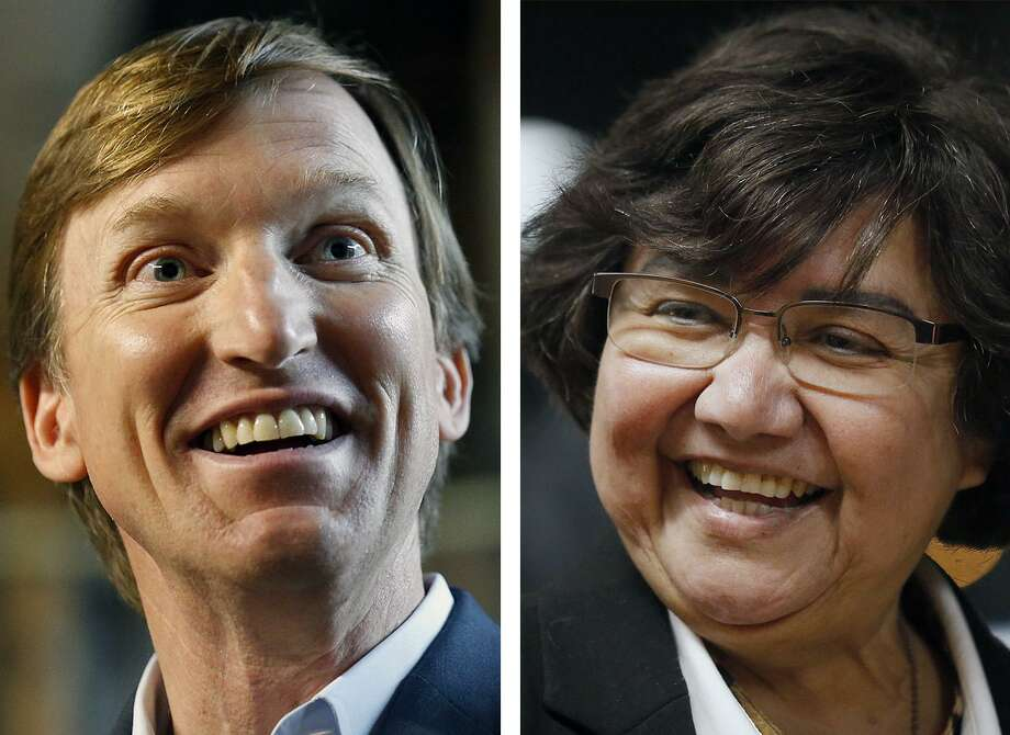 Left, Texas Democratic gubernatorial candidate Andrew White speaks during a San Antonio event Feb. 17, 2018. Right, Texas Democratic gubernatorial candidate and former Dallas County Sheriff Lupe Valdez at San Antonio event, Jan. 12, 2018. Photo: Files, Staff / © 2018 San Antonio Express-News