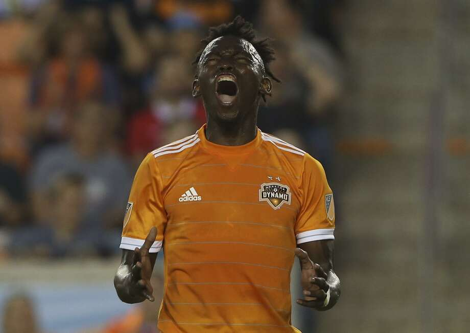 Dynamo forward Alberth Elis leads the league in shots on goal with 19. Photo: Yi-Chin Lee, Staff / Houston Chronicle / © 2018 Houston Chronicle