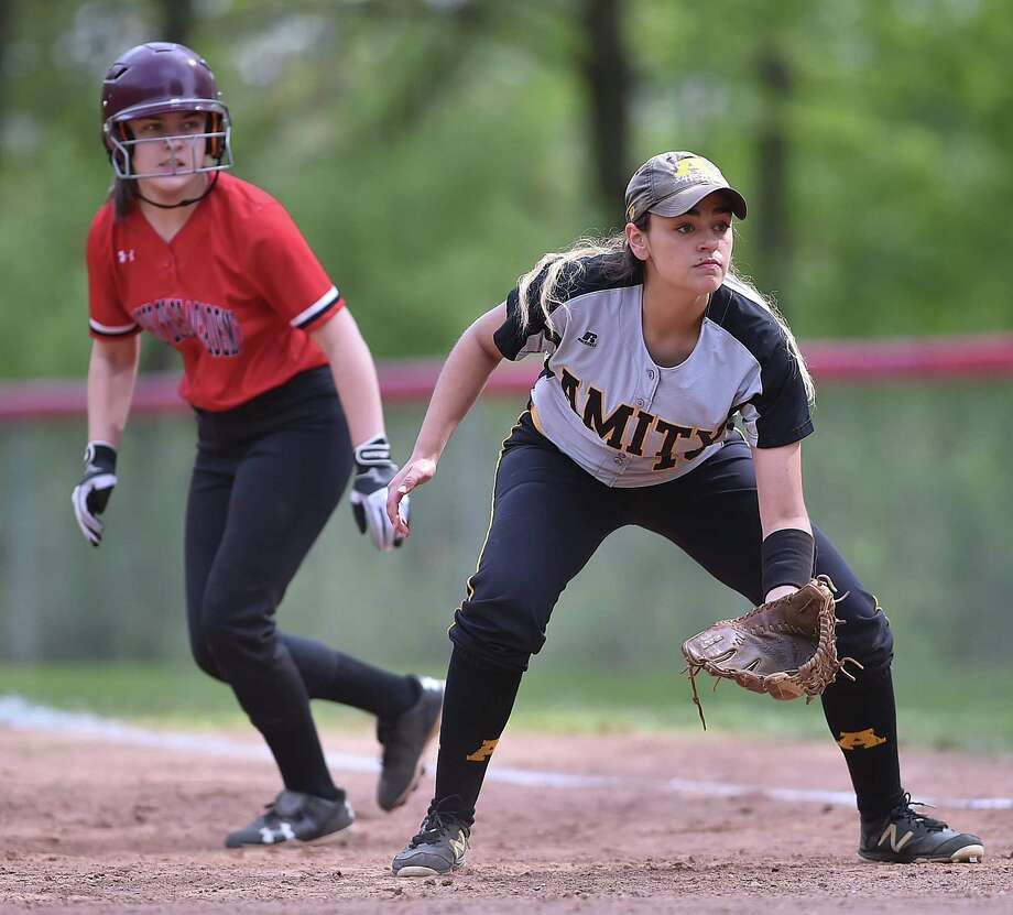 Amity defeats Sacred Heart, 15-3, Thursday, May 10, 2018, at Sacred Heart Academy in Hamden. Photo: Catherine Avalone / Hearst Connecticut Media / New Haven Register
