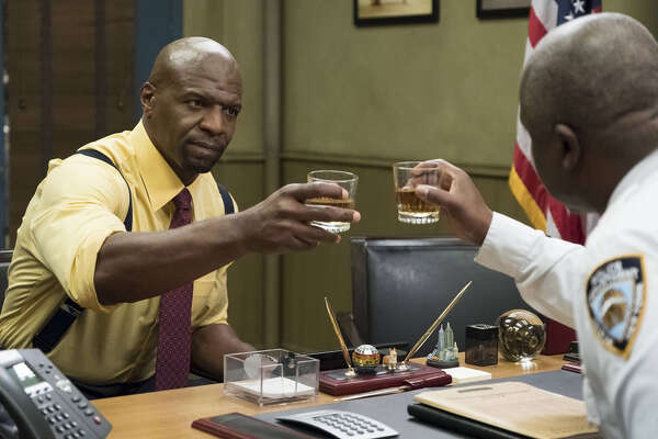 L R Terry Crews And Andre Braugher In The Moo Episode Of