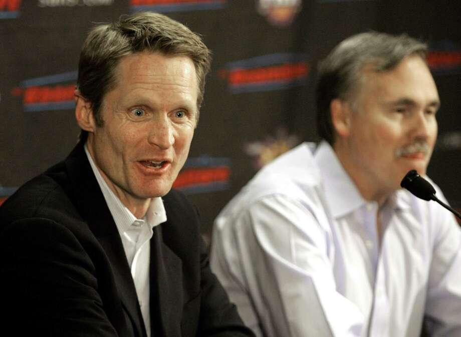 A 2008 file photo of Steve Kerr and Mike D'Antoni. Photo: Matt York / ASSOCIATED PRESS / AP2008