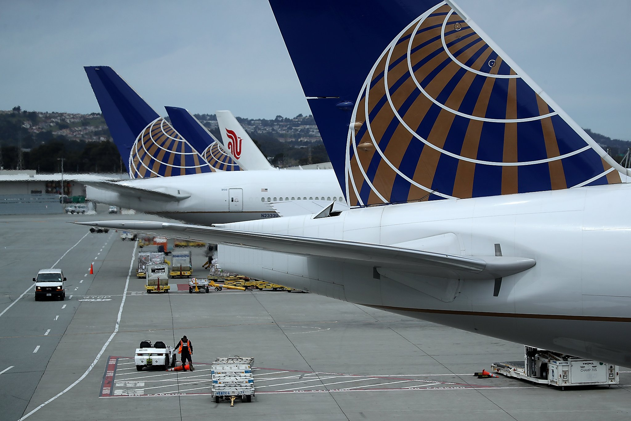 Two Airlines Ask Us Not To Fly Detained Kids On Their