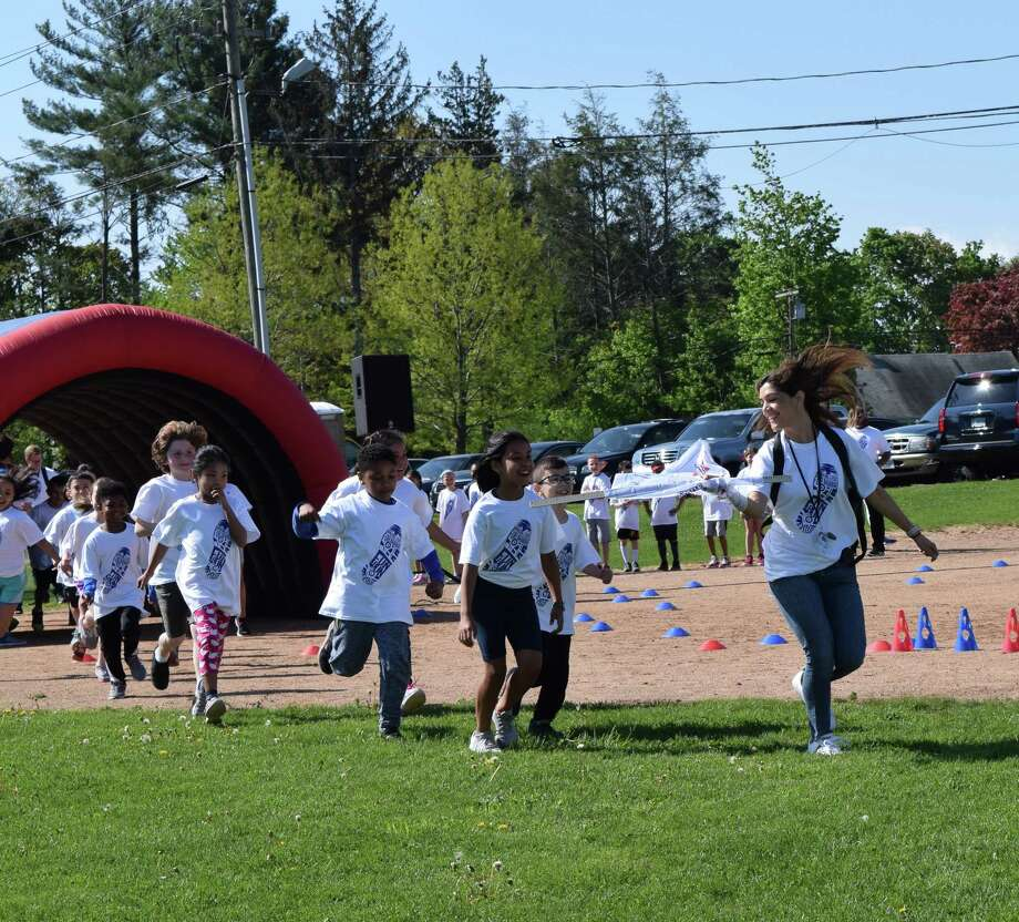 Naramake Elementary School's first-ever Boosterthon Fun Run on Friday, May 11, 2018. Photo: Michael Moon / Contributed Photo