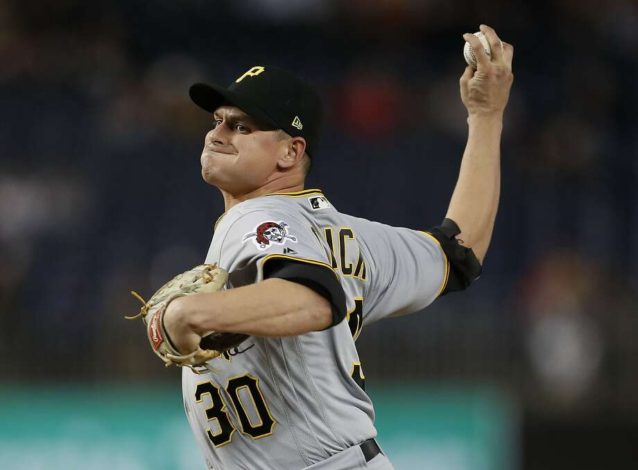 Pittsburgh Pirates relief pitcher Kyle Crick (30) delivers a pitch against the Washington Nationals, during the eight inning of a baseball game at Nationals Park, Monday, April 30, 2018, in Washington. Nationals won 3-2. (AP Photo/Pablo Martinez Monsivais) Photo: Pablo Martinez Monsivais / Associated Press