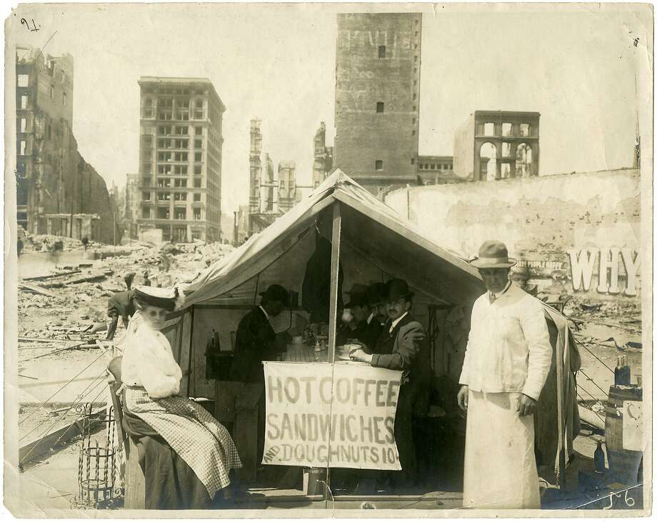 A temporary restaurant stands amid the ruins of the 1906 earthquake and fire. Permanent restaurants took their place as the city rebuilt. Photo: California Historical Society 1906