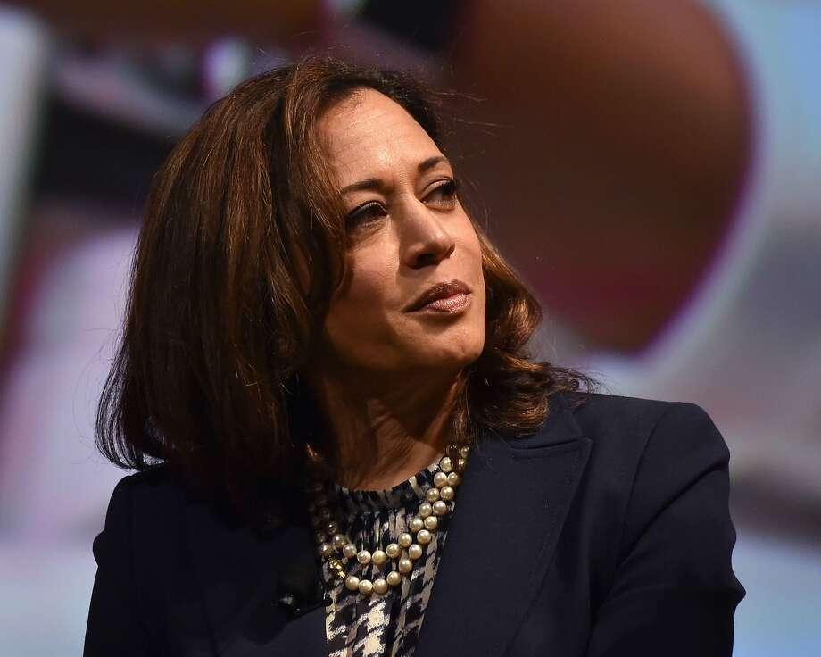 California Sen. Kamala Harris is in demand for endorsements this political season. Photo: CHRIS DELMAS;Chris Delmas / AFP / Getty Images