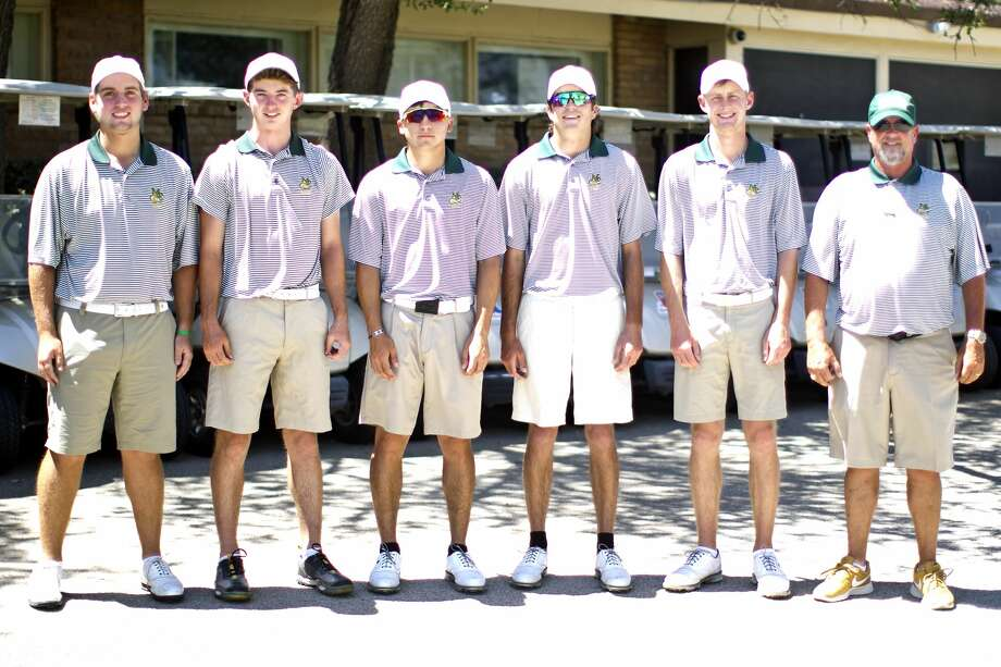 Midland College golfers from left, Alex Motes, Chris Ayers, Michael Salazar, Tommy Parker, Callum Bruce, and coach Walt Williams photographed May 11, 2018, at Ranchland Hills Golf Club. James Durbin/Reporter-Telegram Photo: James Durbin