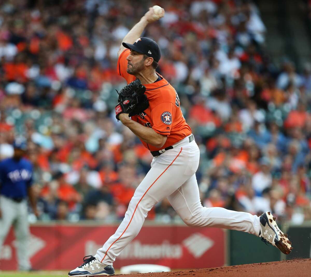 Houston Astros starting pitcher Justin Verlander (35) pitches during the 1st inning at Minute Maid Park Friday, May 11, 2018, in Houston. ( Steve Gonzales / Houston Chronicle )