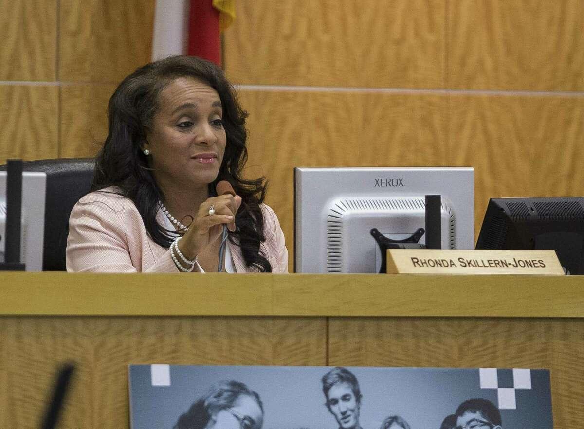 Board president Rhonda Skillern-Jones speaks during a Houston Independent School District board meeting, Thursday, May 10, 2018, in Houston. ( Mark Mulligan / Houston Chronicle )