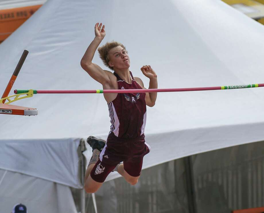 Calen Fouts of Rankin High School competes in the Class 1A boys pole vault event at the UIL State Track and Field Meet at Mike A. Myers Stadium in Austin, Texas on Saturday, May 12, 2018. Photo: Scott W. Coleman