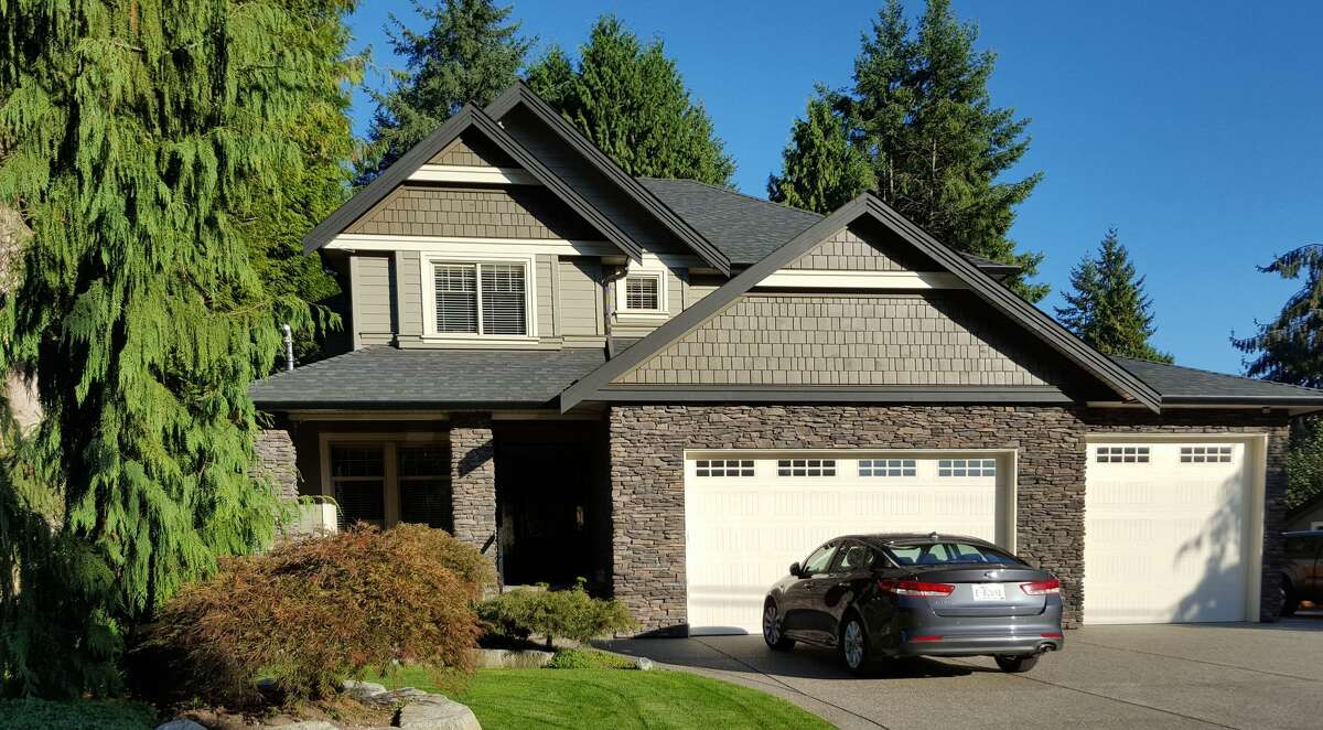 Be sure to also lock the garage and the garage entrance into your home.