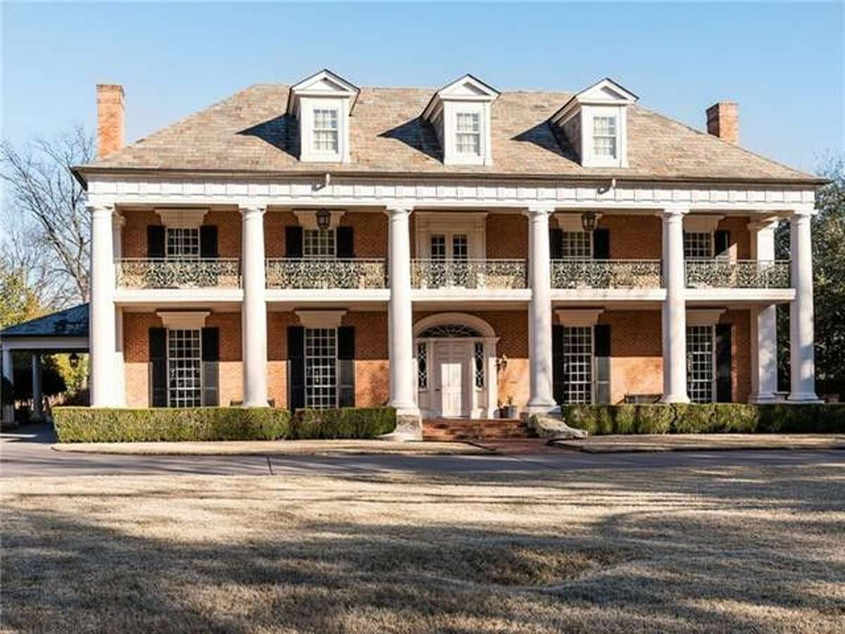 The whimsical $9.1 million mansion that once belonged to former Texas First Lady. Rita Crocker Clements honors its Lone Star roots.