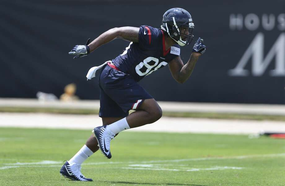 Rookie tight end Jordan Akins could be in the mix for a starting spot as the Texans look to upgrade at the position. Photo: Yi-Chin Lee/Houston Chronicle