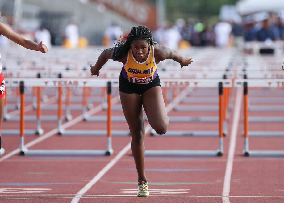 Sametria Smith of Midland High School runs in the Class 6A girls 100-meter hurdles at the UIL State Track and Field Meet at Mike A. Myers Stadium in Austin, Texas on Saturday, May 12, 2018. Photo: Scott W. Coleman