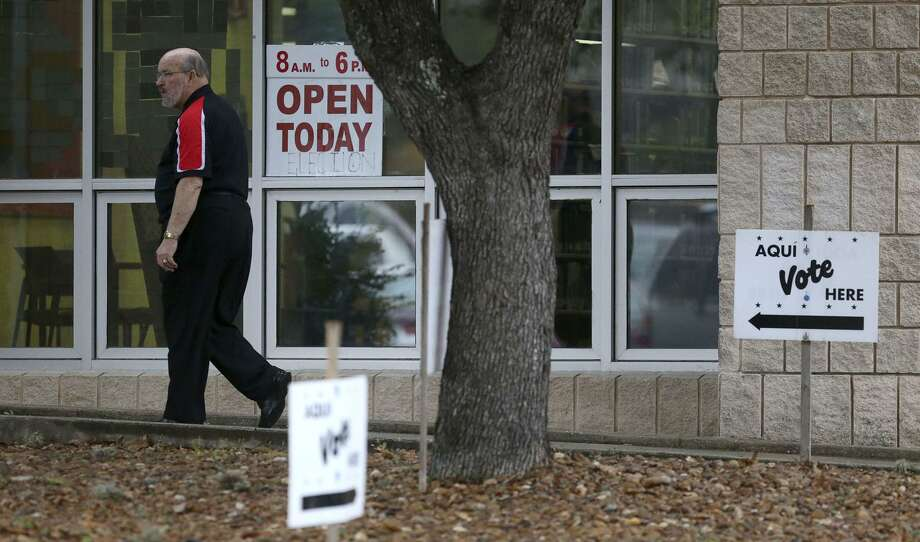 As it was in the March 6 primary, Brook Hollow Library at 530 Heimer Road is among 38 early voting locations in Bexar County for the runoffs. Photo: John Davenport /San Antonio Express-News / ©John Davenport/San Antonio Express-News