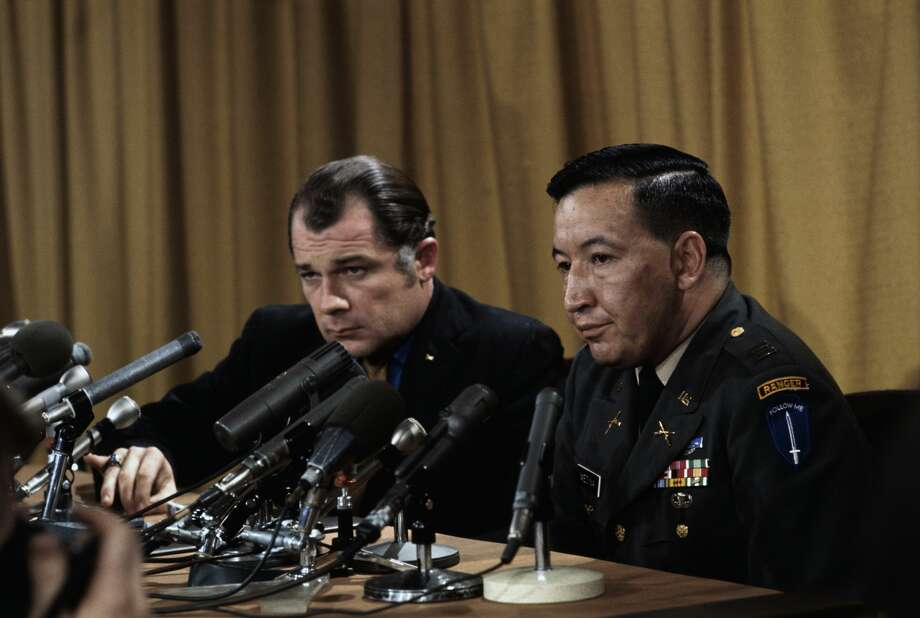FILE — Capt. Ernest L. Medina (right), commander of the infantry company involved in the My Lai massacre, and his attorney F. Lee Bailey hold a press conference at the Pentagon. Photo: Bettmann/Bettmann Archive