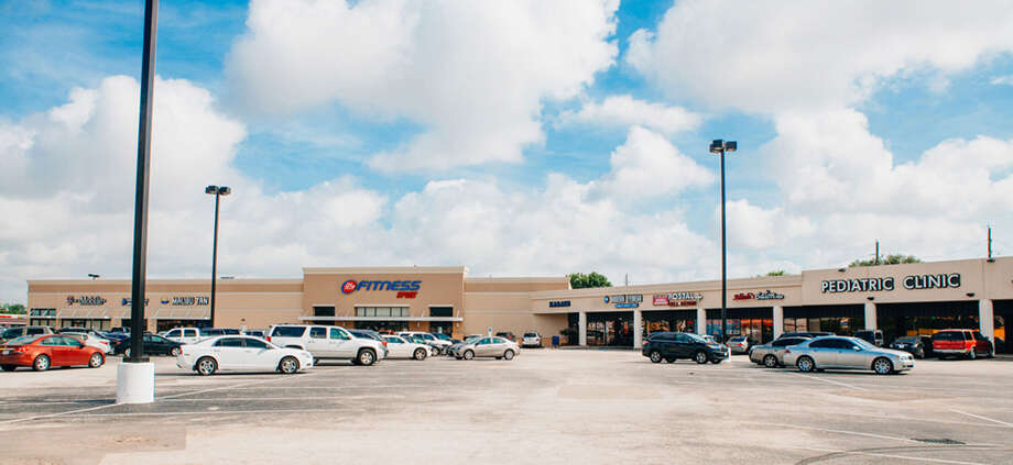 The sale of Westlake Shopping Center represents NewQuest Properties' first disposition of an anchored retail project in seven years. Photo: NewQuest Properties