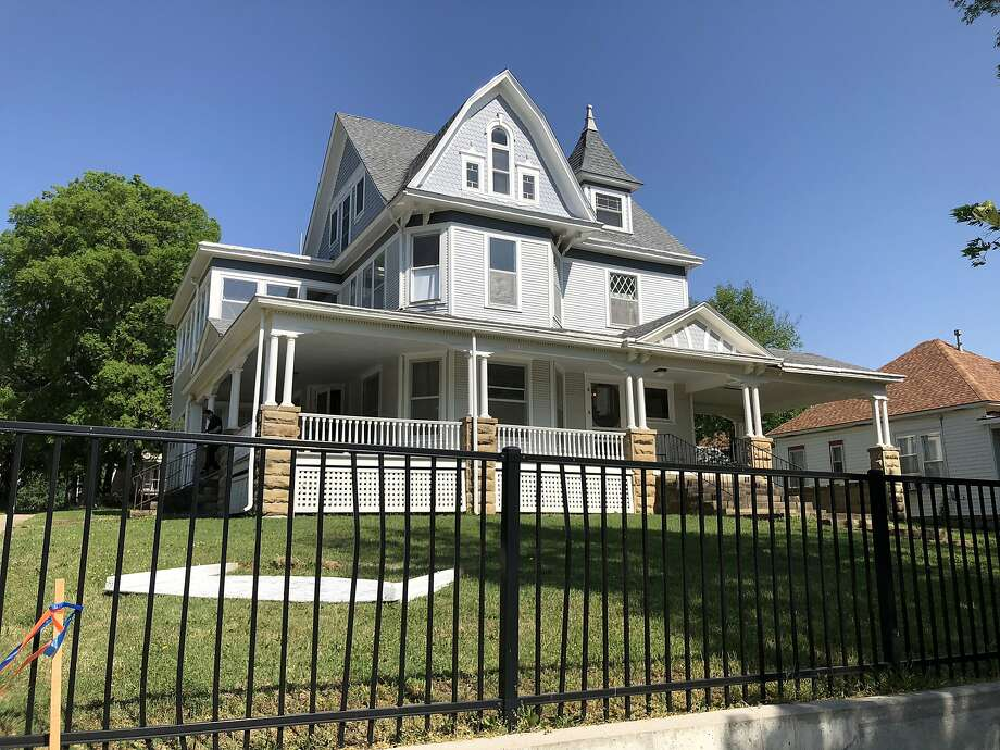 This three-story Victorian house in Independence, Kan., sold for $75,000 two months ago. Photo: Michael Bauer / The Chronicle