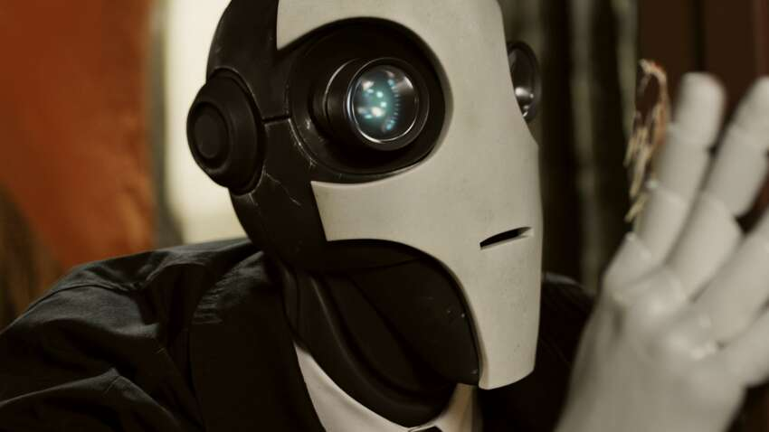 Automata If you love Doug Jones' work with Guillermo Del Toro, then check out this sci-fi noir, which follows a hard-boiled detective through an alternate version of Prohibition-era New York.