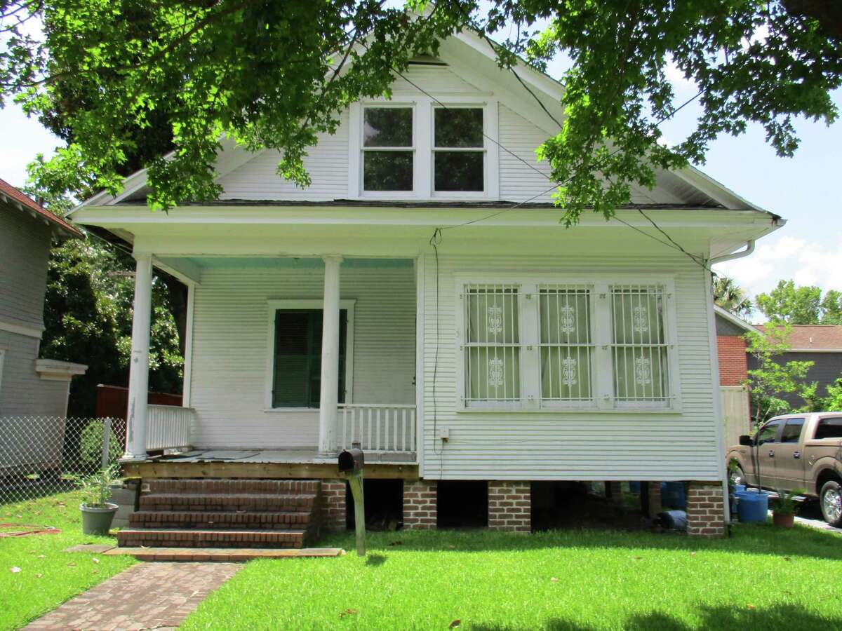 This home, built in 1909, was in need of complete restoration.