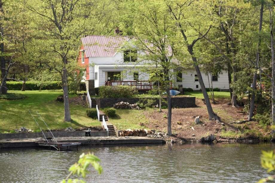 Waterfront homes on Ballston Lake on Monday, May 14, 2018 in Ballston Lake, N.Y. (Lori Van Buren/Times Union) Photo: Lori Van Buren, Albany Times Union / 20043770A