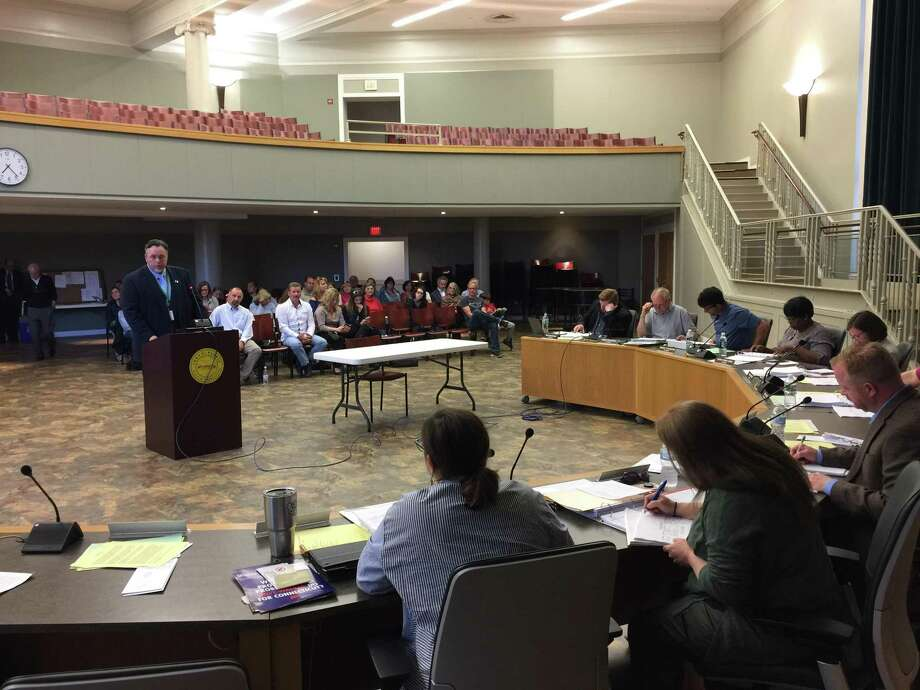 Hamden Mayor Curt B. Leng proposed a compromise financial plan for the community Monday evening, as the Legislative Council continues budget deliberations. Photo: Ben Lambert / Hearst Connecticut Media