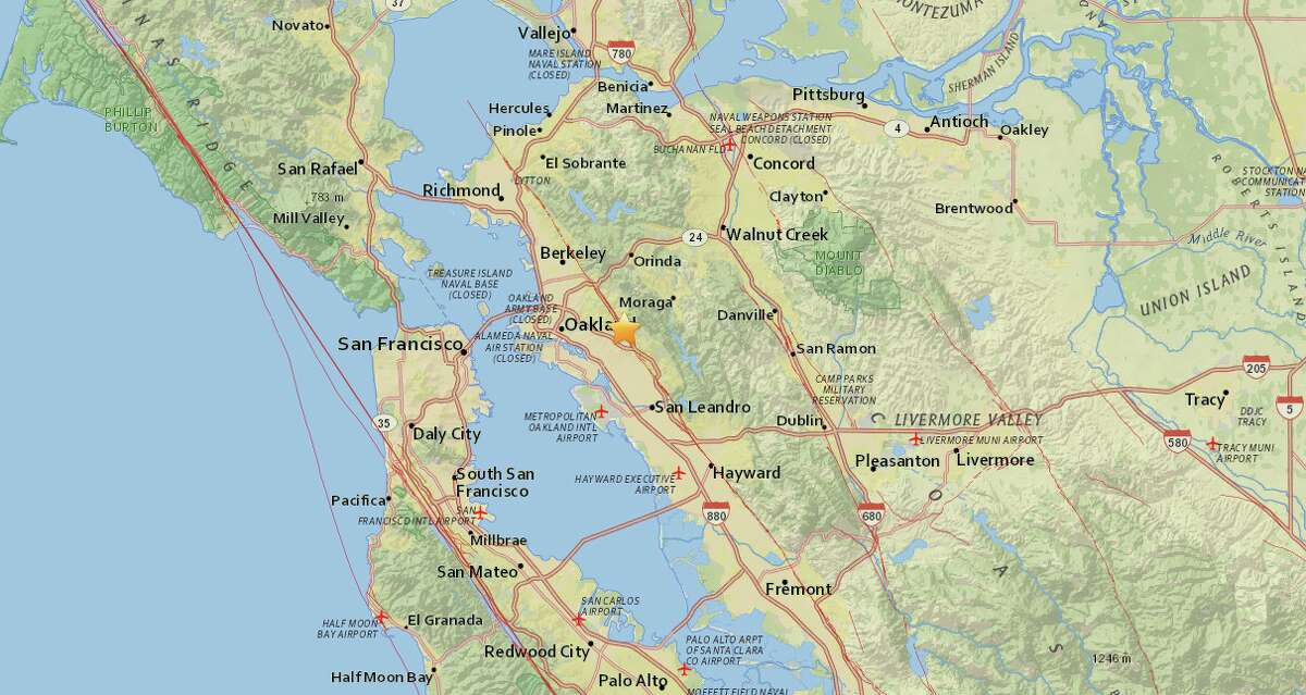 An earthquake with a magnitude of 3.5 struck the Oakland area Monday evening.
