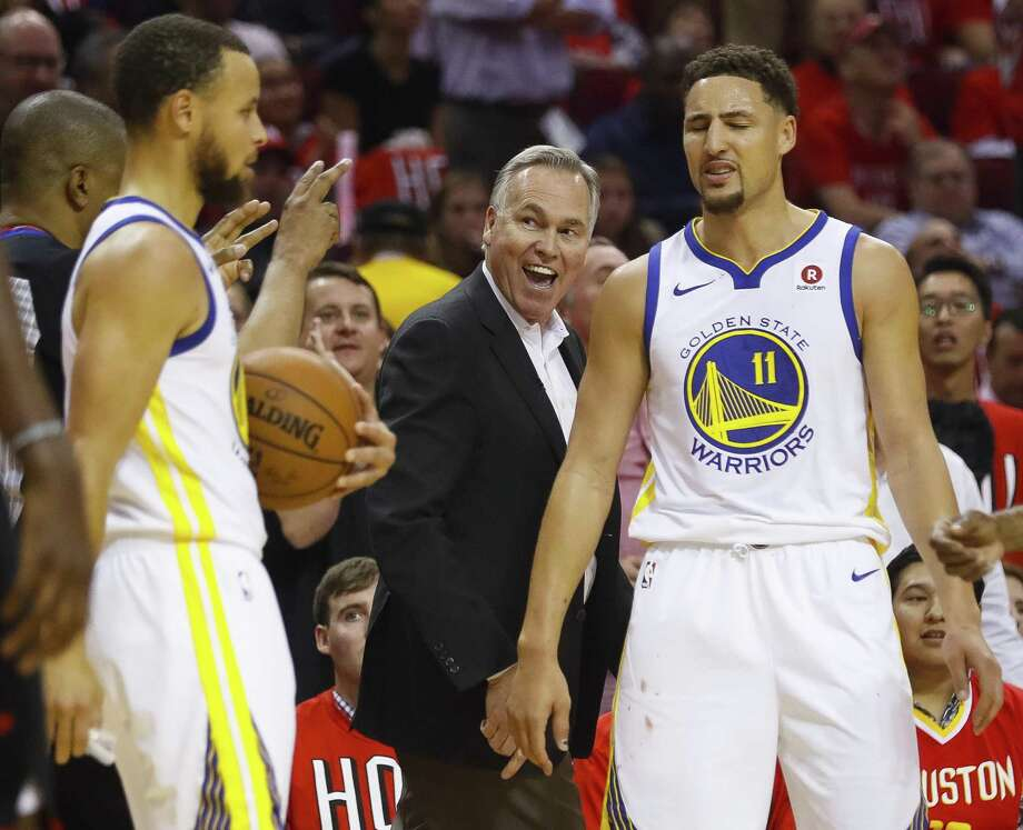 At 67, the Rockets' Mike D'Antoni, between two Warriors who hope otherwise, wants to become the oldest coach to win an NBA championship. Photo: Brett Coomer, Staff / Houston Chronicle / © 2018 Houston Chronicle