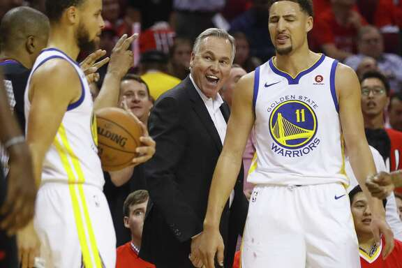 At 67, the Rockets' Mike D'Antoni, between two Warriors who hope otherwise, wants to become the oldest coach to win an NBA championship.