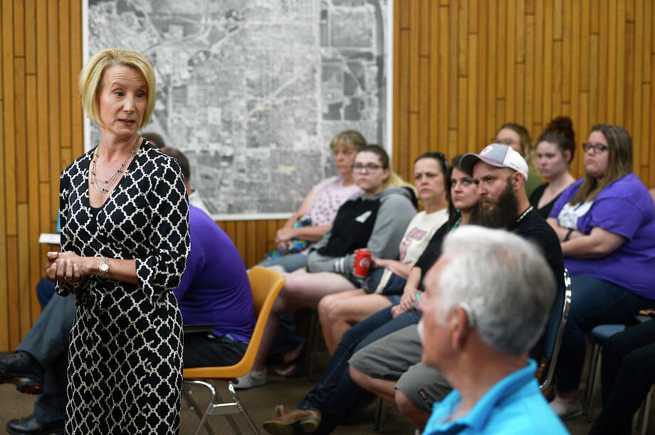 Jill Pierce, attorney for Groves Councilman Cross Coburn, speaks during the city council meeting on Monday, May 14. Pierce spoke about nude photos of Coburn that were leaked to the city administration and local media outlets.   Photo taken Monday 5/14/18 Ryan Pelham/The Enterprise Photo: Ryan Pelham / ©2018 The Beaumont Enterprise/Ryan Pelham